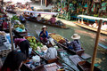 Busy sunday morning at Damnoen Saduak  market Royalty Free Stock Photo