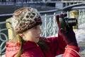 Câmera da menina e da foto Fotos de Stock Royalty Free