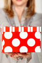 Cadre de cadeau rouge de point de polka Photo stock