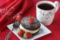 Cake with strawberries and coffee Royalty Free Stock Images