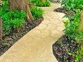 Calzada de piedra en jardín Imagen de archivo