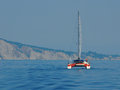 Catamaran de navigation en mer ionienne Photographie stock