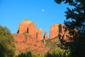 Cathedral rock moonrise a dramatic scenic view of near sedona arizona at sunset with the full moon rising Stock Images