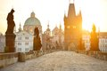 Charles bridge karluv plus et lesser town tower Images stock