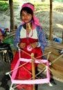 Chiang Mai Thailand: Hångla Long den thailändska kvinnan Fotografering för Bildbyråer
