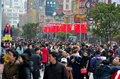 Chinese shoppers throng shanghai nanjing road china february s main shopping street during the lunar new year Royalty Free Stock Photography