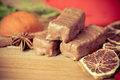 Chocolat sur la table en bois Photo stock