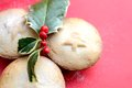 Christmas mince pies with holly on red background Royalty Free Stock Photography