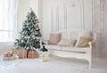 Christmas Tree With Presents U...