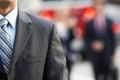 Ciérrese para arriba de la calle de walking along city del hombre de negocios Imagen de archivo