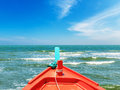 Clean sea with blue sky on daylight Royalty Free Stock Photos