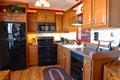 Cocina americana tradicional de la casa del estilo Fotos de archivo libres de regalías