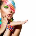 Farbistý kozmetické prostriedky vlasy a príslušenstvo