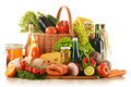 Composición con la variedad de productos de la tienda de comestibles Fotos de archivo