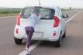 Zmätok na auto sledovať