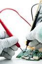 Contrôle du circuit par Multi-Meter. Images stock
