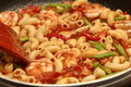 Cooking Thai fried macaroni with shrimp .