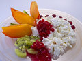 Cottage cheese with fruit Royalty Free Stock Photography