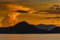 Coucher du soleil au barrage thaïlande de pranburi Photographie stock