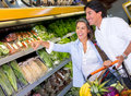Couple buying groceries Royalty Free Stock Photography