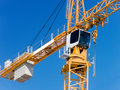 The crane the elevating building Royalty Free Stock Photos