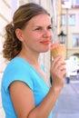 Cream eating ice woman Στοκ εικόνα με δικαίωμα ελεύθερης χρήσης