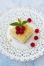 Crumb cake a piece of with cream cheese and berries Royalty Free Stock Photography