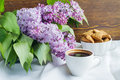 Cup of coffee and spring flowers Royalty Free Stock Photography