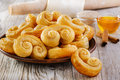 Curls puff pastry with cinnamon Royalty Free Stock Photos