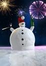 De grappige sneeuwman viert Royalty-vrije Stock Foto's