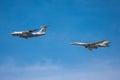 De luchttanker en strategische bommenwerper turkije imiteren mid air het bijtanken tijdens de parade Royalty-vrije Stock Afbeeldingen