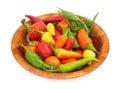 De peperpaprika van de Spaanse peper in houten schotel Stock Foto's