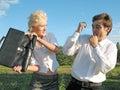 De vrouw slaat de man Royalty-vrije Stock Afbeelding