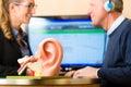 Hluchý muž činí sluch