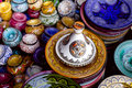 Ozdobený a tradičný maroko suvenírmi