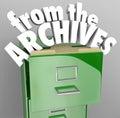 Del gabinete del fichero de archivo recupere los registros históricos Foto de archivo libre de regalías