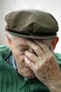 Deprimovaný starý muž