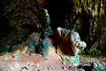Der farbige Felsen in einer Höhle Lizenzfreies Stockbild
