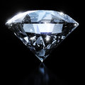 Diamant brillant d'isolement sur le fond noir Image stock