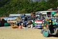 Die local bus station laden und brennstoffaufnahme jeepney Lizenzfreies Stockfoto