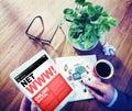 Digital on line nachrichten schlagzeilen world wide webkonzept Stockbild