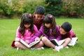 Diverso chicos y leer