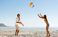 Divertimento spensierato del beachball Immagine Stock