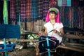 Donna di karen long neck con le bobine d ottone thailand Fotografie Stock Libere da Diritti