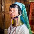 Donna di karen long neck con le bobine d ottone thailand Immagine Stock Libera da Diritti