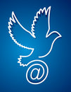 Dove e-mail, internet post pigeon Royalty Free Stock Photos