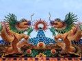 Dragon statue chinese tempeltak Royaltyfri Bild