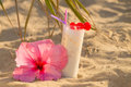 Drink on the beach a refreshing a sunny Royalty Free Stock Photography