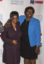 Edna machirori and gwen ifill arrive on the red carpet for the international women's media foundation courage in journalism Stock Photography