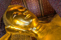 Een Close-up van Doende leunen Boedha in Wat Pho in Bangkok, Thaila Royalty-vrije Stock Foto
